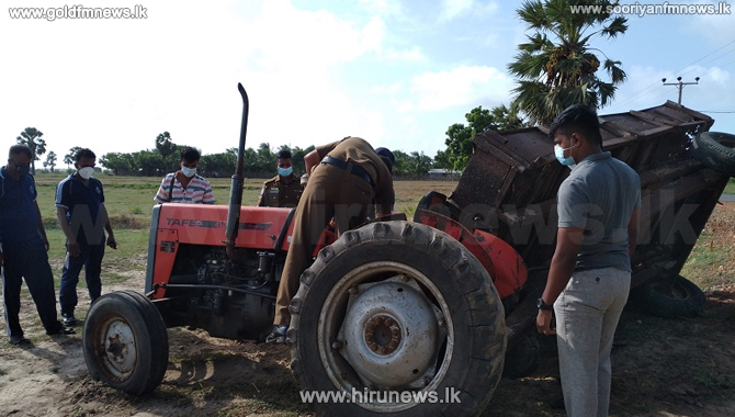 Police open fire on a tractor smuggling sand