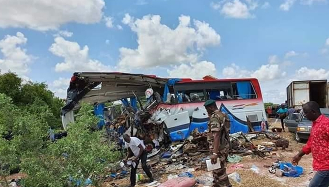 மாலியில் இடம்பெற்ற பேருந்து விபத்தில் 41 பேர் பலி!