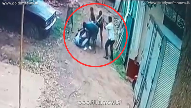 Two arrested for assaulting Kotte Mayor (Video)